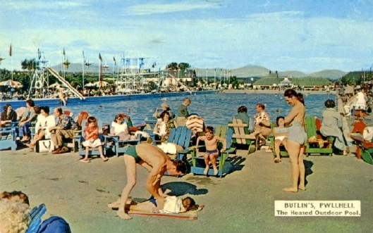BUTLINS PWLLHELI OUTDOOR POOL