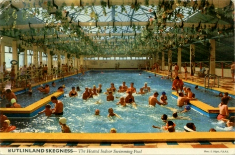 BUTLINS SKEGNESS INDOOR POOL
